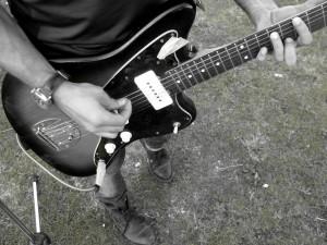 oscar chitarra dettaglio mani